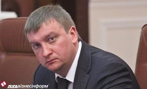 Министр юстиции считает необходимым обеспечение въезда в Крым правозащитникам и иностранным журналистам