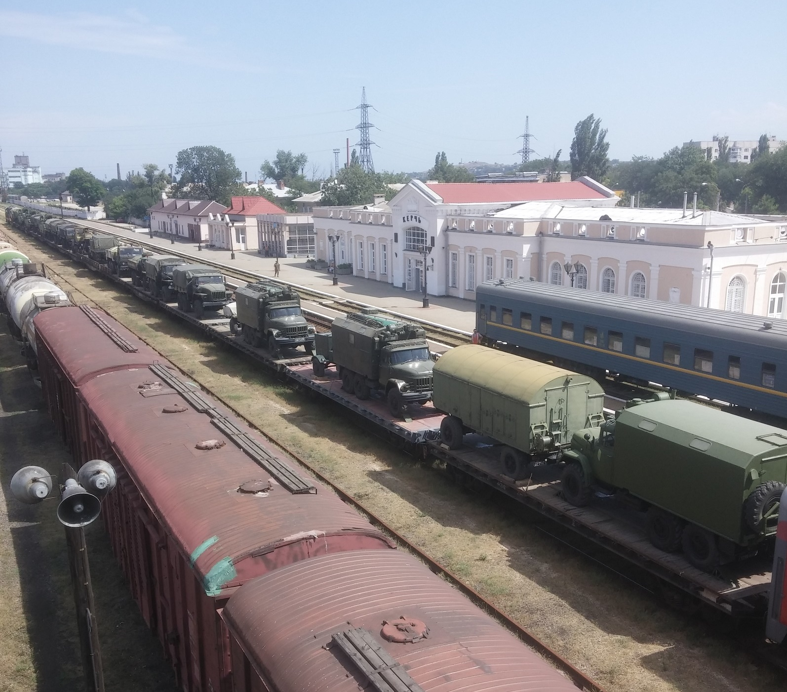Convoy of Russian military machinery was delivered to Crimea through Kerch – video, photo