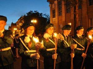 В Крыму детям внушают культ войны и ненависть к Украине — правозащитница