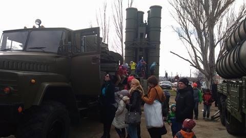 В Севастополе развернули мобильный пункт приема на службу по контракту