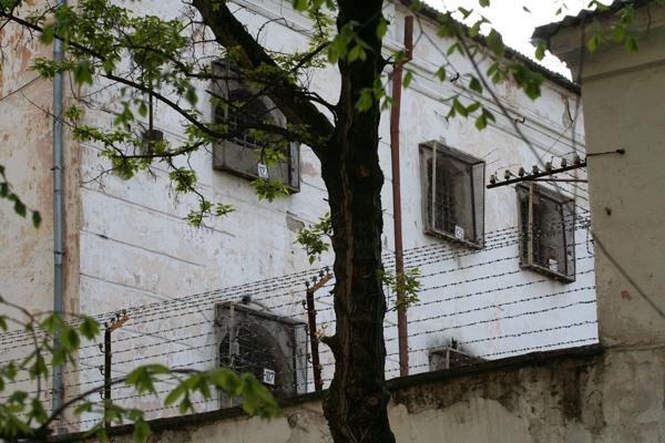 Голодування в СІЗО Сімферополя розпочали кримчани Лугін і Михайлов