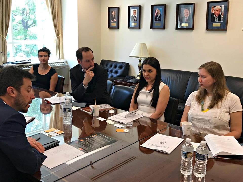 Украинские правозащитницы привезли в Вашингтон списки чиновников, нарушающих права человека в Крыму