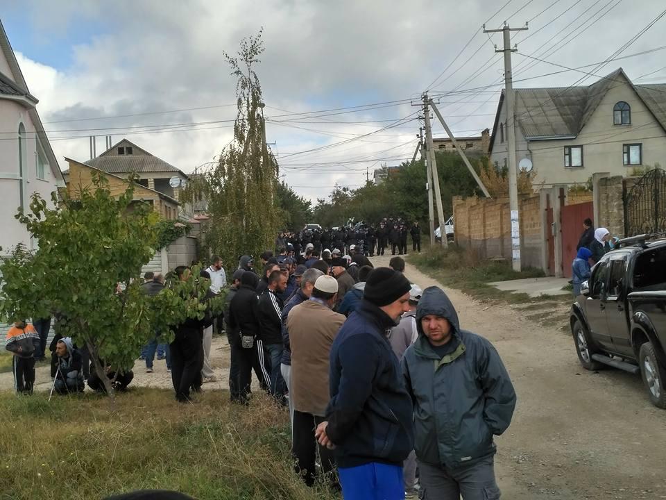 В Бахчисарае массовые обыски и задержания