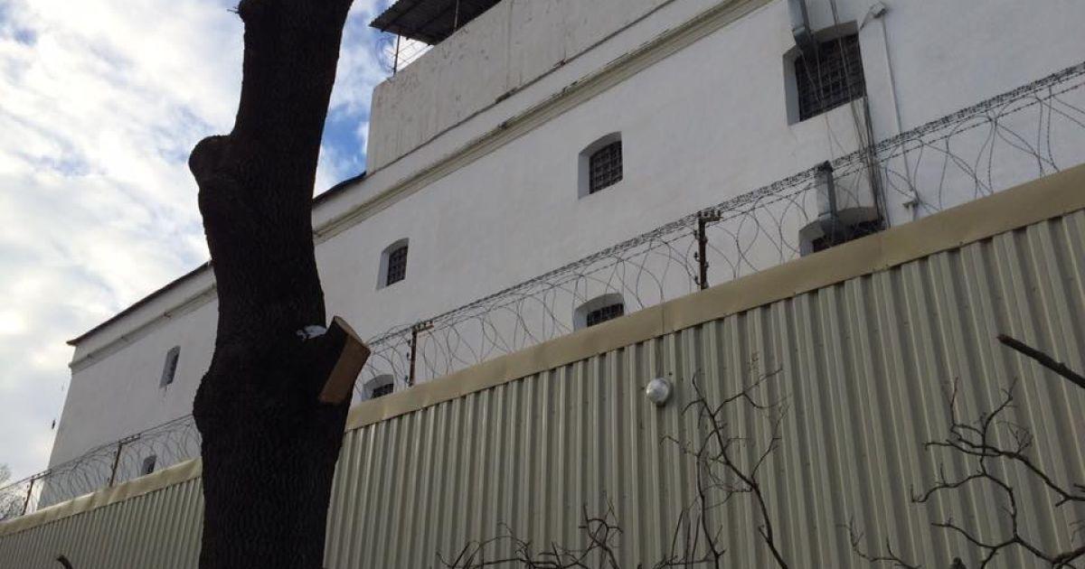 У Сімферопольському СІЗО нова скрута з передачею ліків в'язням