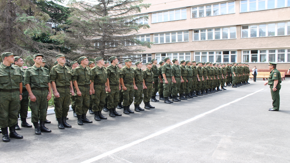 За время весеннего призыва в армию РФ отправили 2800 крымчан