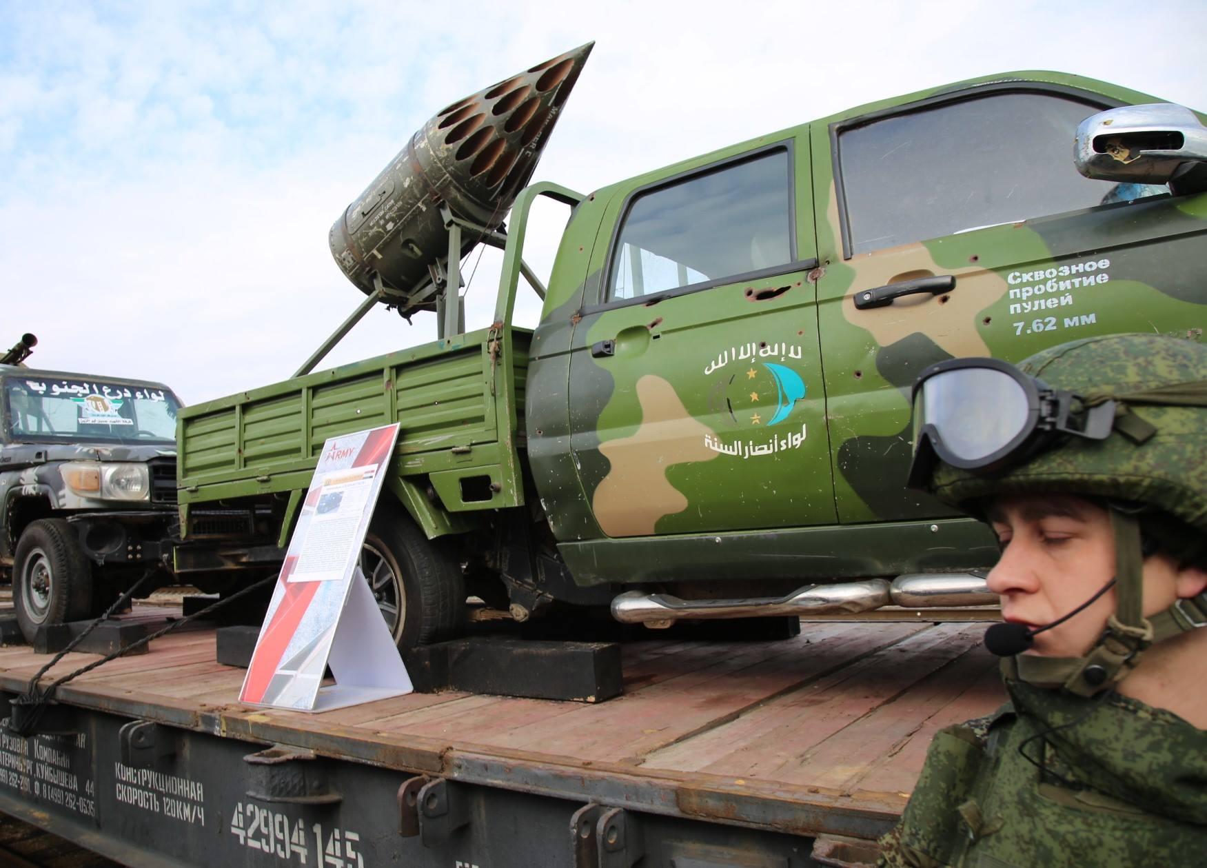 Росія провела у Керчі заходи, що пропагують війну (світлини та відео)