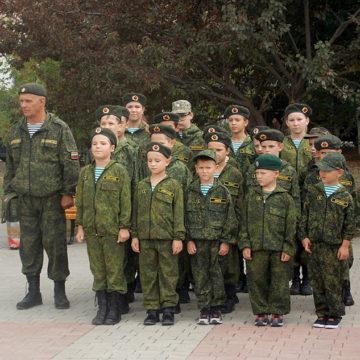 Примус місцевих до військової служби окупантам: головне про воєнний злочин Росії у Криму