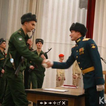 В Крыму продолжается воинский призыв в армию РФ