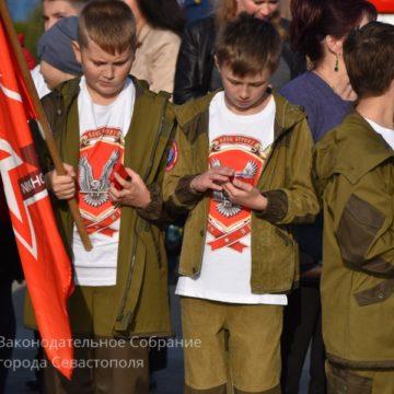 В Крыму продолжают пропаганду службы в армии оккупирующей державы, воинский призыв и наказание «уклонистов»