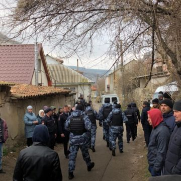 Eight Searches and Five Crimean Tatar Activists Detained in Crimea