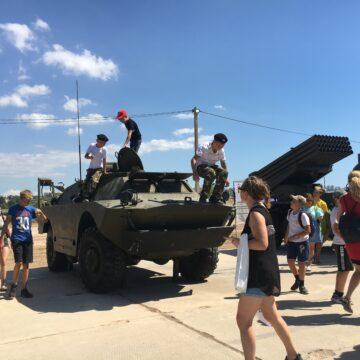 У Севастополі під час пандемії проводять мілітаристські масові заходи