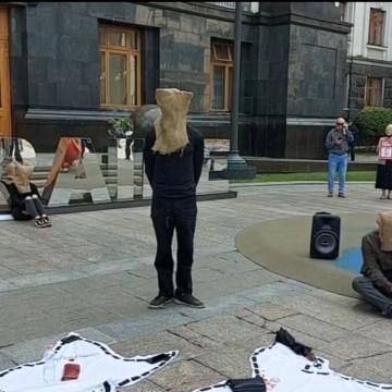 «Жизнь заложников Кремля — не игрушки!»: правозащитники требуют освободить политзаключенных